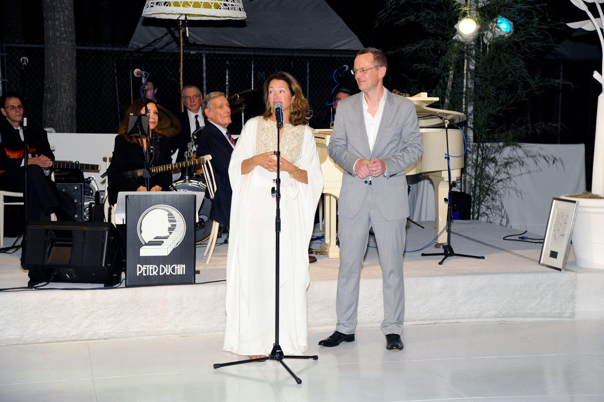 Lisa McCarthy, Scott Howe==Animal Rescue Fund of the Hamptons Bow Wow Meow Ball== Animal Rescue Fund Of The Hamptons, Wainscott==August 20, 2016==©Patrick McMullan==Photo: PatrickMcMullan/PMC====