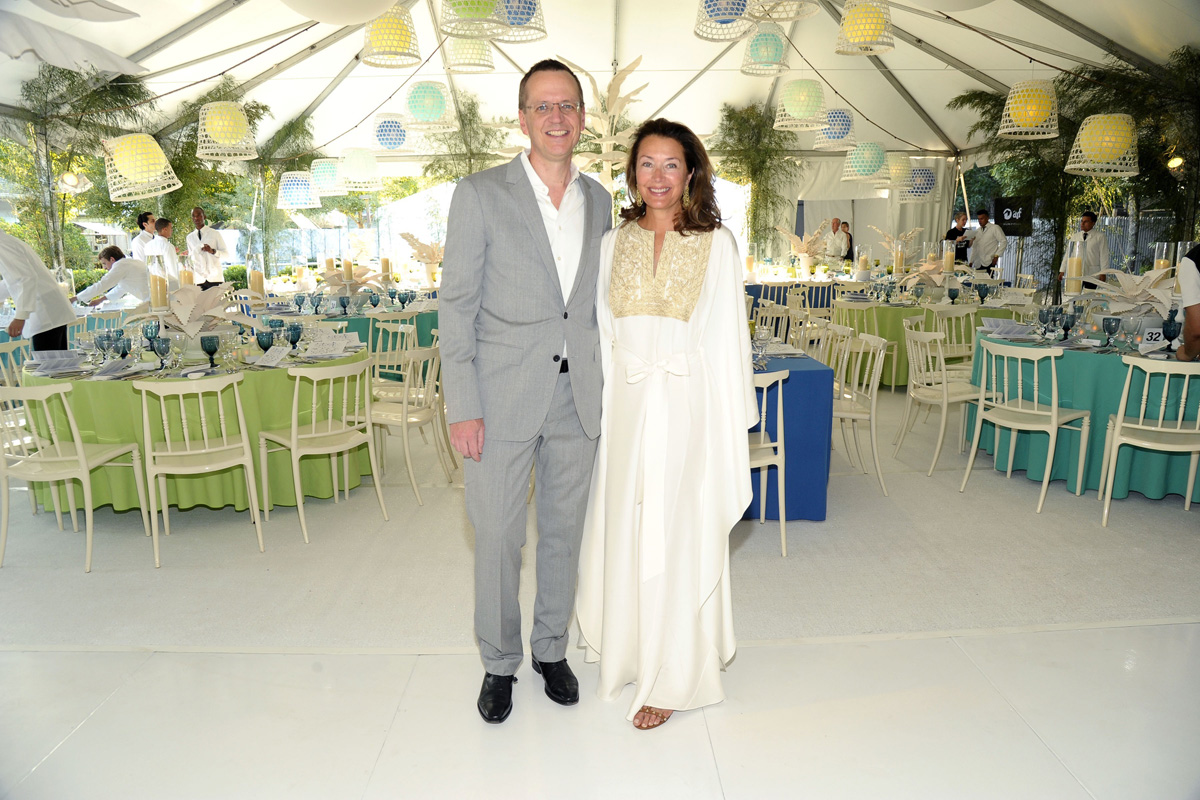 Scott Howe, Lisa McCarthy==Animal Rescue Fund of the Hamptons Bow Wow Meow Ball==Animal Rescue Fund Of The Hamptons, Wainscott, NY==August 20, 2016==©Patrick McMullan==Photo - Owen Hoffmann/PMC== ==