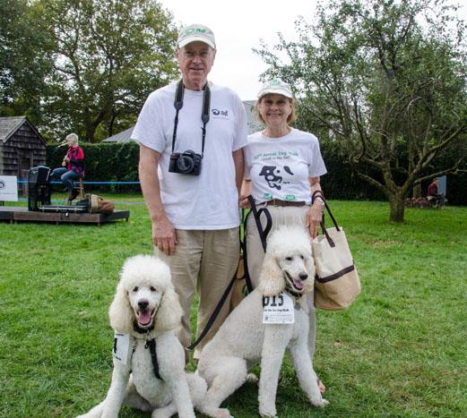 Volunteers Bob and Shari Thompson