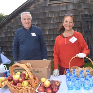 Volunteers Anita and Paul help at the food station. Thank you to Starbucks, Goldberg's and the Milk Pail for their donations!